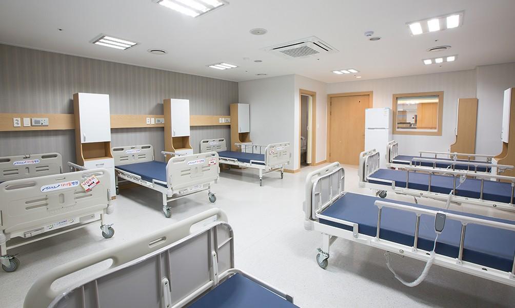 집중치료병동 (8인실)